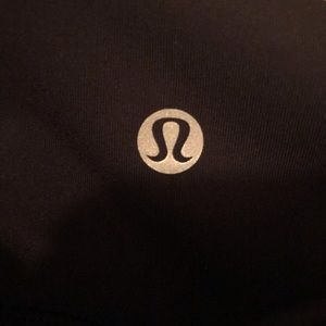 Lululemon 3/4 yoga pants with mesh
